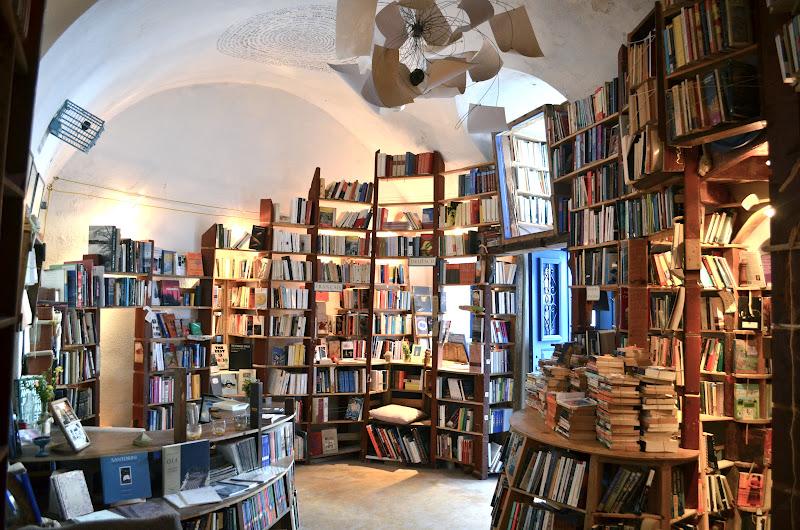 Най-интересната книжарница в света се намира на остров Санторини