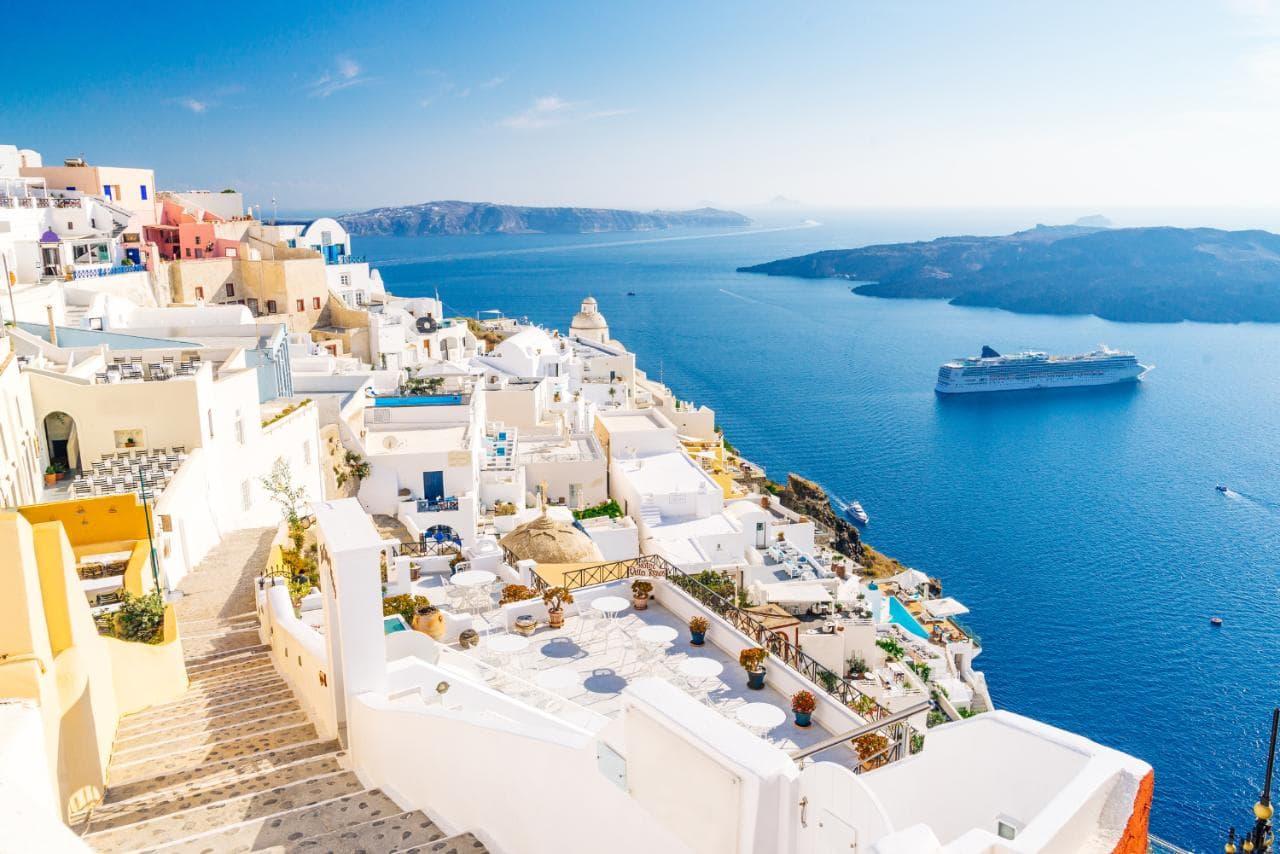 Край на карантината в Гърция, как ще пътуваме по островите