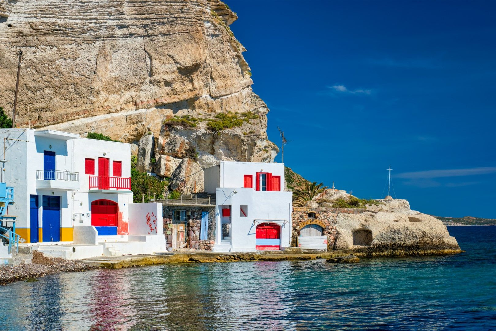 Гаражите в село Клима на остров Милос