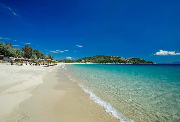 Райският остров Амулиани, където няма полиция